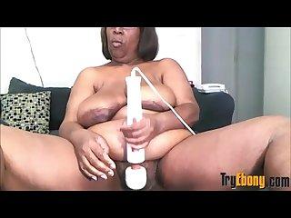 Ebony bbw old gal masturbates big hairy pussy