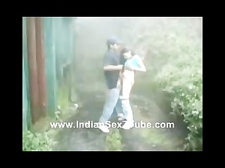 Indian software girl fuked hard n moaning in rainy outdoor garde