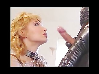 Milf in latex is obsessed