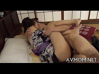 Hung tit milf rides 10 pounder