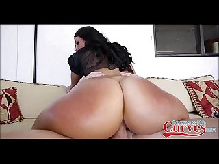 Thick Brunette With Juicy Ass - TeensWithCurves.com