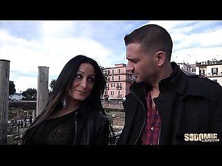 Mila, la bombe atomique italienne veut essayer le porno
