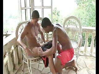 Garotos de favela cena 1