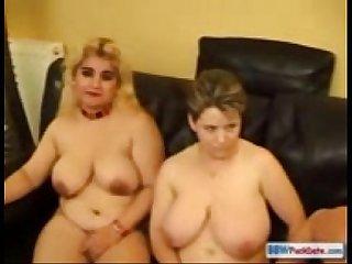 3 grosses lesbiennes