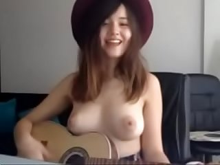 Cutie singing Song seen on www.xcams2018.com