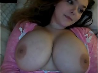 Huge Tits on this camshow girl